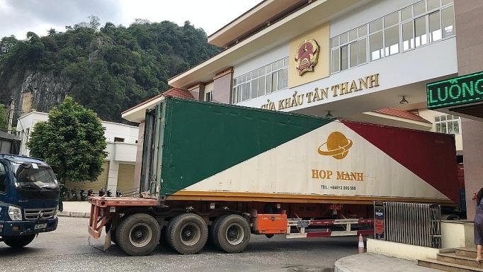 Tạo điều kiện thông quan nhanh hàng hóa tại các cửa khẩu phụ trên tuyến biên giới Việt Nam - Trung Quốc trong thời điểm dịch Vũ Hán. (Ảnh qua congthuong)