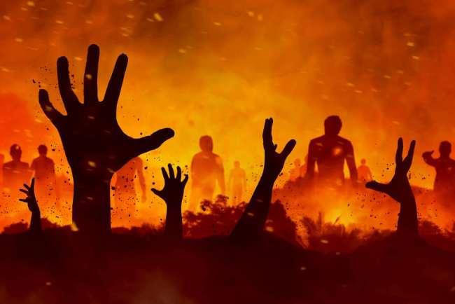 Đức giáo hoàng vùng vẫy than khóc dưới ngọn lửa.