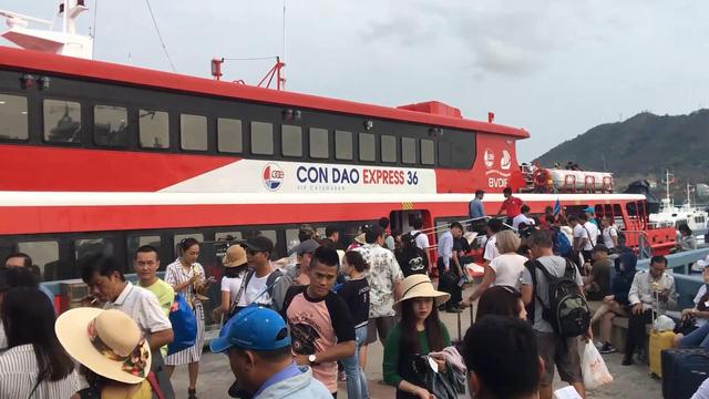 Giữa đại dịch Covid-19: Phú Quốc vẫn đón hơn 10.000 du khách nước ngoài - Côn Đảo