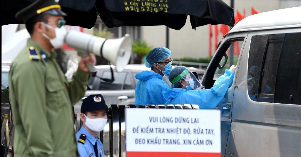 """Hà Nội """"Đóng băng"""" BV Bạch Mai, truy tìm 40.000 người từng ra vào bệnh viện từ 20-3 2"""