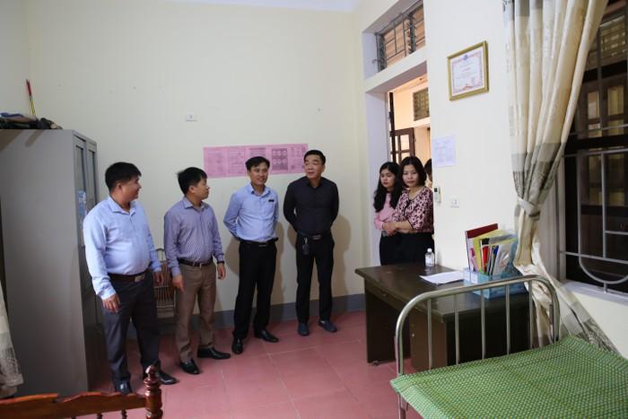 Hà Tĩnh Du học sinh trốn cách ly để đi đám cưới, chủ tịch UBND bị phê bình 2