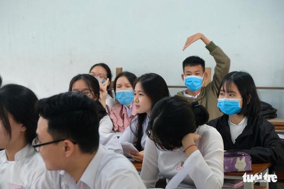 Hậu Giang Một học sinh có người thân từ Hàn Quốc về bị sốt ngay trong ngày đầu đi học lại 6
