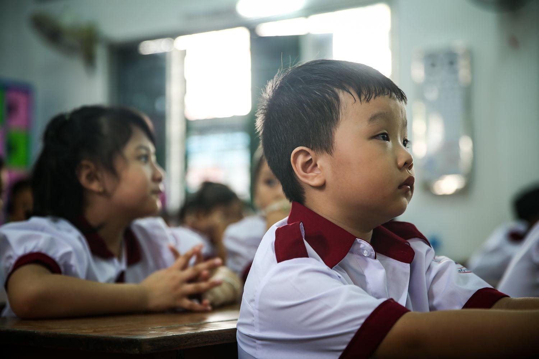 TP.HCM lấy ý kiến phụ huynh về việc học sinh đeo khẩu trang ở trường. (Ảnh qua Zing)