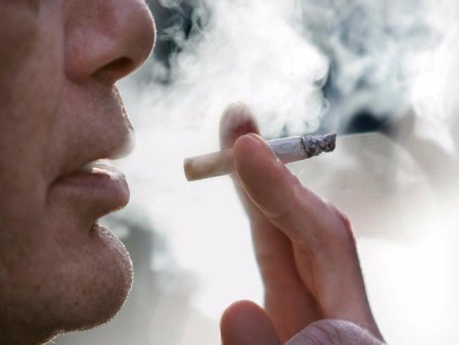 hút thuốc có liên quan đến việc tăng nguy cơ làm trầm trọng của bệnh viêm loét đại tràng.