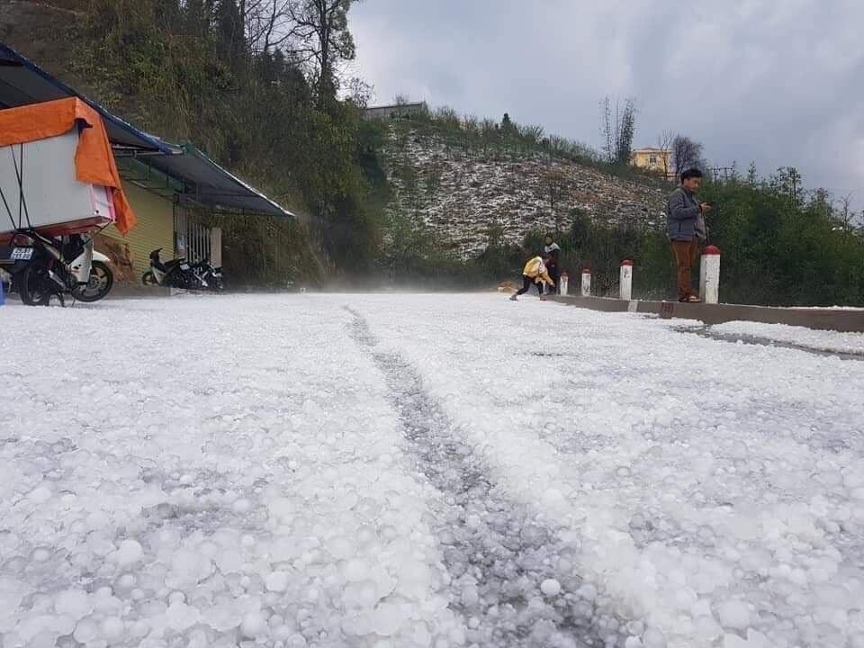 Ít nhất 4 trận mưa đá đã xảy ra trong tháng 3 tại các tỉnh phía Bắc