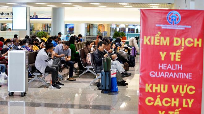 Khu vực kiểm dịch y tế cho hành khách chờ cách ly tại Nội Bài. (Ảnh qua thanhnien)