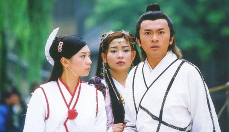 Kim Dung từng chia sẻ rằng ông thích Tiểu Chiêu nhất, nhưng không thể ghép đôi nàng và Trương Vô Kỵ được, bởi chỉ có Triệu Mẫn mới phù hợp.
