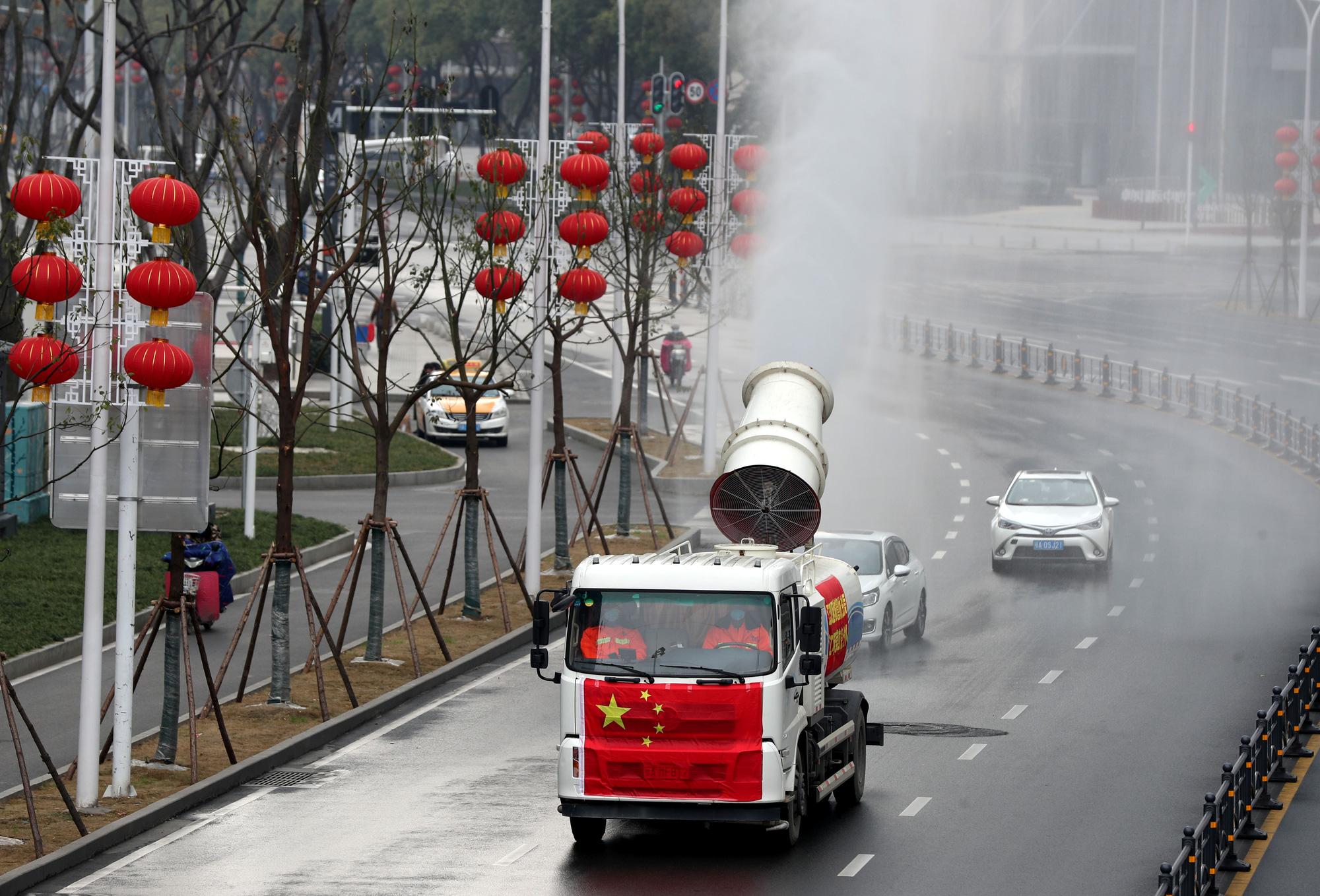 Phương tiện tiến hành khử trùng sau khi bùng phát virus ở Vũ Hán, tỉnh Hồ Bắc, Trung Quốc