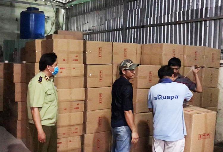 Phát hiện gần 1 triệu khẩu trang chuẩn bị được xuất lậu sang Trung Quốc 2