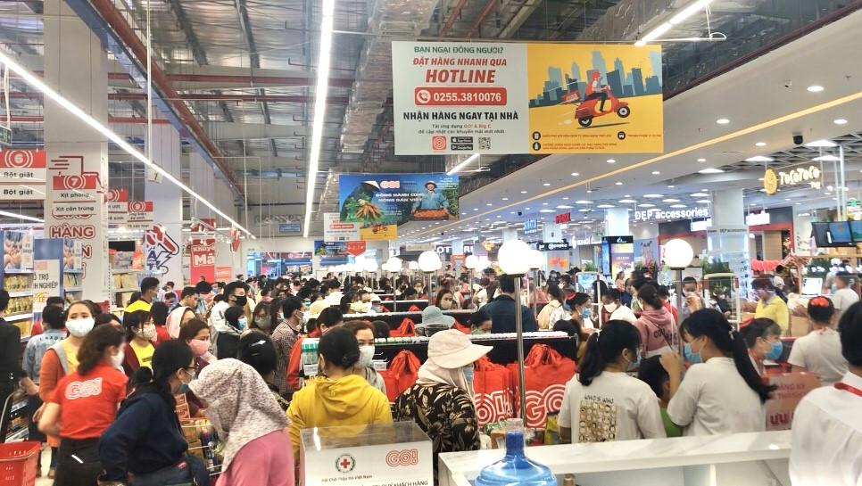 Quảng Ngãi Khai trương siêu thị giữa mùa dịch virus Vũ Hán, hàng ngàn người chen chúc nhau mua sắm 2
