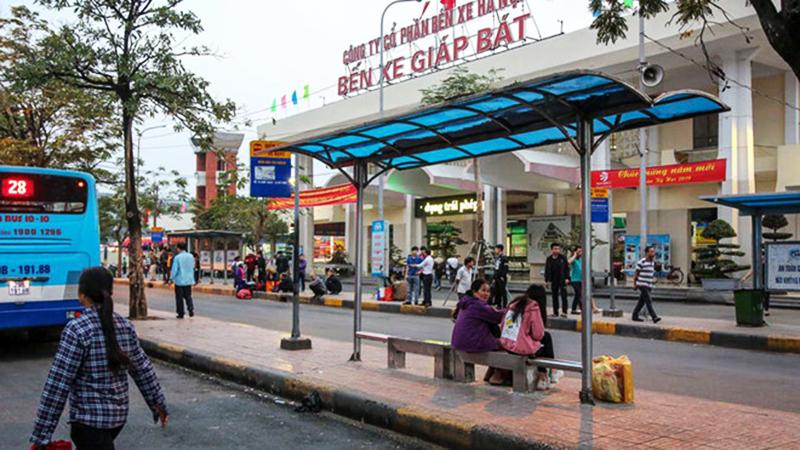 Các tỉnh chỉ được duy trì 1 hoặc 2 chuyến xe khách về Hà Nội, TP.HCM mỗi ngày. (Ảnh qua thanhnien)