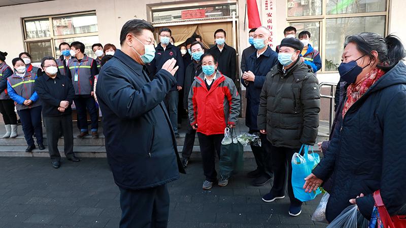 Tập Cận Bình đeo khẩu trang đến Bắc Kinh thị sát lần 2, tiết lộ nguyên nhân Tập từ chối đến Vũ Hán (ảnh 2)