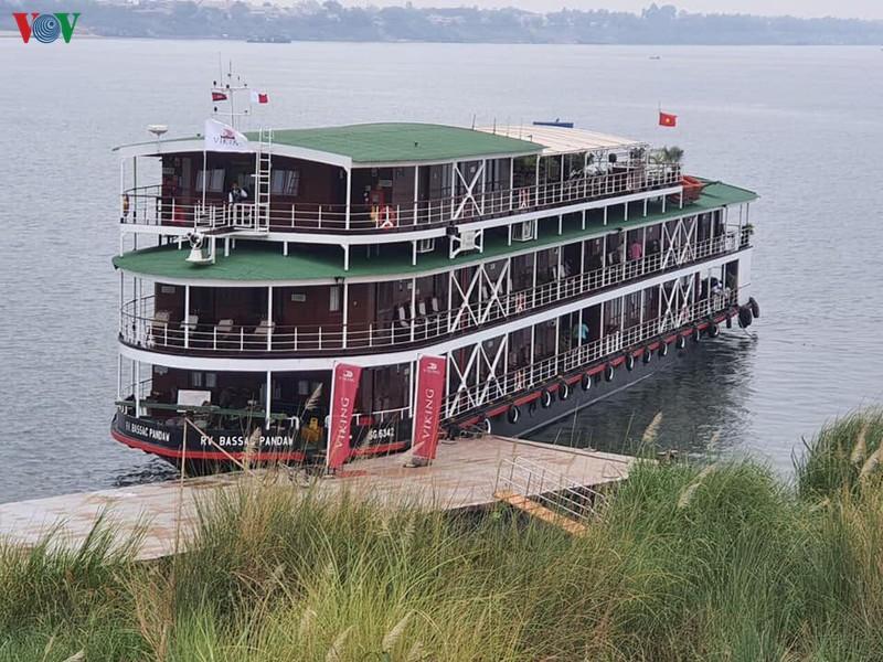 Tàu chở đoàn du khách người Anh có 1 trường hợp nhiễm virus Vũ Hán. (Ảnh qua VOV)