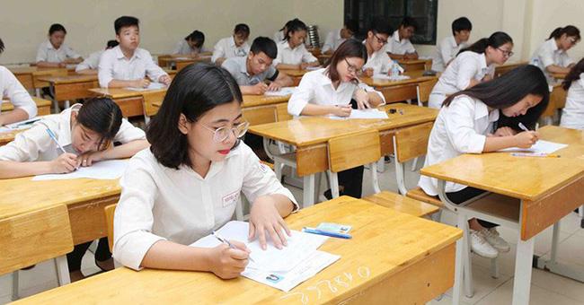 Thanh Hóa Nam sinh 'ho, sốt' phải cách ly, gần 1.000 học sinh vẫn đi học bình thường 4