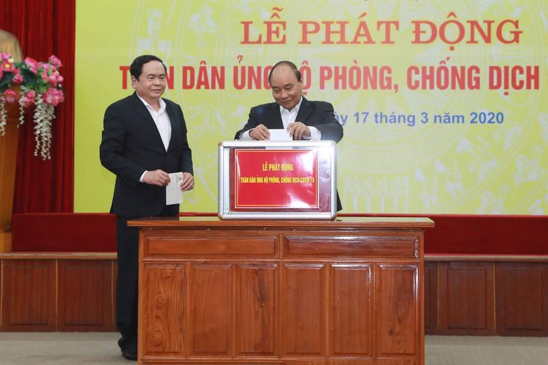 Thủ tướng Xuân Phúc kêu gọi Ai có tiền góp tiền, ai có hiện vật góp hiện vật