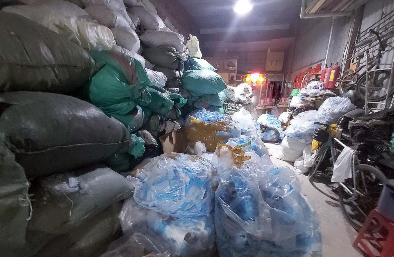 TP.HCM Phát hiện kho hàng chứa 2 tấn khẩu trang đã qua sử dụng