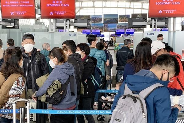 Trở về từ Nhật, hành khách xin được cách ly do có triệu chứng virus Vũ Hán nhưng bị sân bay từ chối
