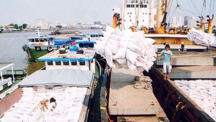 Bộ Công Thương kiến nghị được tiếp tục xuất khẩu gạo. (Ảnh qua baophapluat)