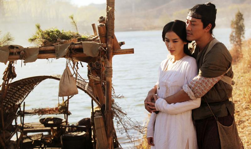 Phim Trung Quốc, thường theo lối kể về chuyện tình của người và yêu tinh, còn phóng đại lên gấp nhiều lần so với dân gian lưu truyền.