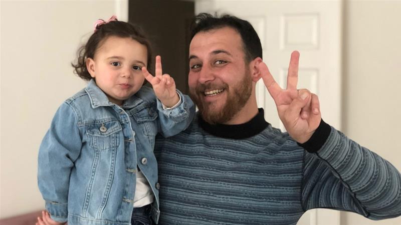 Al-Mohammad luôn biết cách khiến con gái mình luôn vui vẻ.
