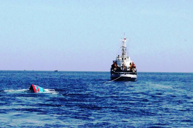 """Truy tìm tàu chở hàng """"Sài Gòn 815"""", tông chìm tàu cá rồi mặc 4 ngư dân trên biển - Ảnh 1"""