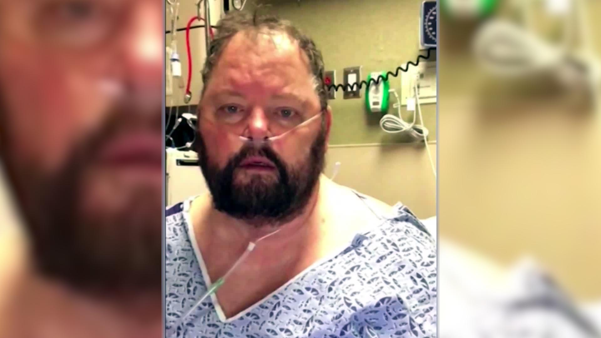 Anh đã ở trong bệnh viện 12 ngày, và luôn trong tình trạng khó thở.