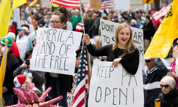 Mỹ: Người dân tại nhiều bang biểu tình đòi dỡ bỏ lệnh phong tỏa