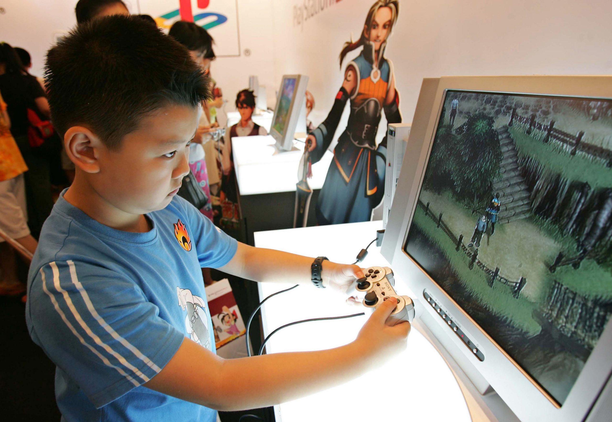 Có thể hiểu game gần như là một loại ma túy, nó mê hoặc đầu não con người bằng những tín hiệu điện tử. (Getty Images)