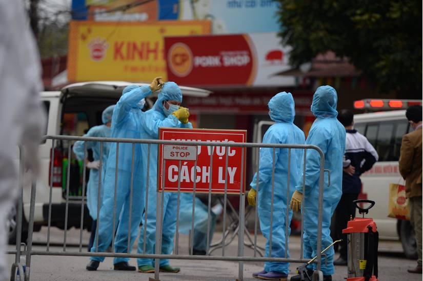 Phong tỏa 1 thôn ở Hà Nam để dập dịch viêm phổi Vũ Hán (Covid-19). (Ảnh qua doisongvietnam)