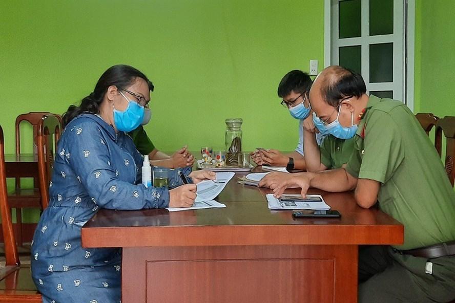 Công an tỉnh Thừa Thiên Huế đã mời một chủ tài khoản Facebook đến trụ sở làm việc do đã chia sẻ thông tin sai sự thật về dịch Vũ Hán lên mạng xã hội. (Ảnh qua laodong)