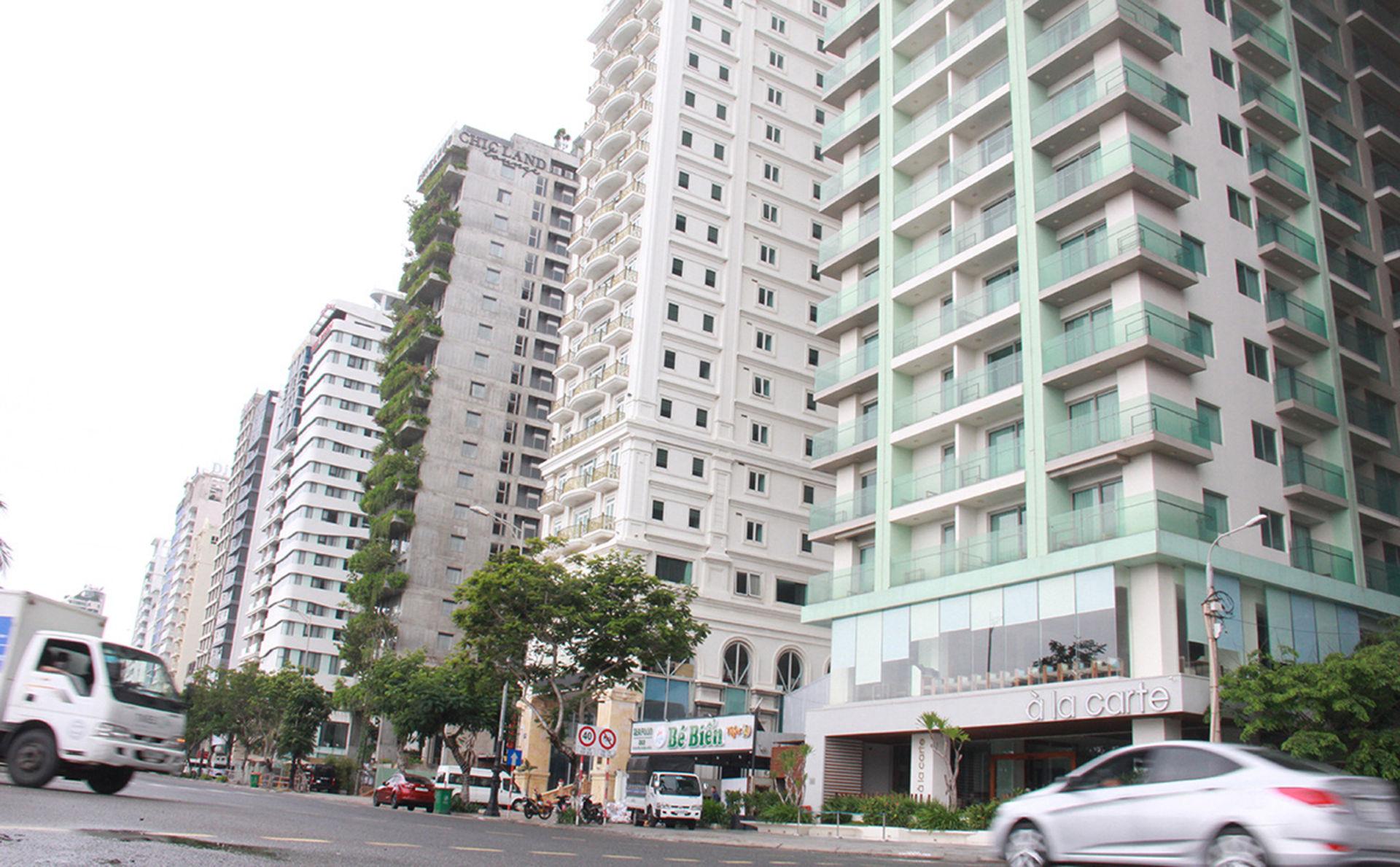 Không khí đìu hiu trên trục đường Võ Nguyên Giáp, nơi tập trung rất nhiều khách sạn ở Đà Nẵng. (Ảnh qua tuoitre)
