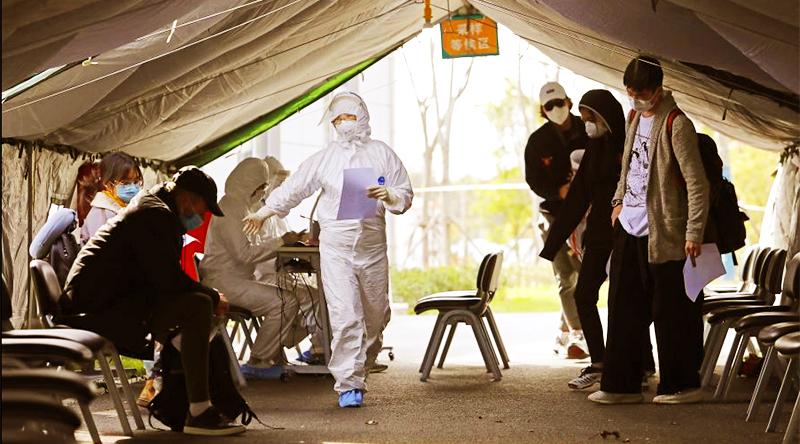Các ca nhiễm bệnh nhưng không có triệu chứng sẽ không được tính vào các ca được được chẩn đoán ở Trung Quốc, tuy nhiên đã xảy ra rất nhiều trường hợp những người không có triệu chứng lây truyền cho người khác.