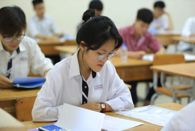 Bộ GD&ĐT dự kiến vẫn sẽ tổ chức thi THPT quốc gia 2020 nhưng chủ yếu chỉ để xét tốt nghiệp. (Ảnh qua tienphong)