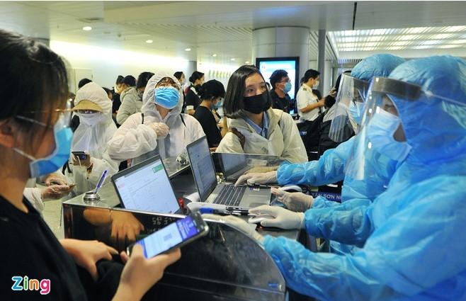 Lây nhiễm từ nước ngoài là nguy cơ được Bí thư Thành ủy TP.HCM cảnh báo. (Ảnh qua Zing)