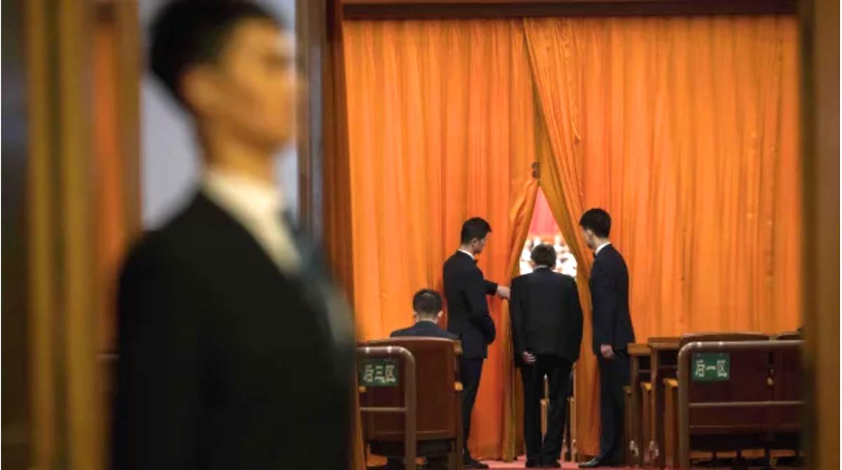 """Đang lúc dịch bệnh hoành hành, Bộ trưởng Bộ Quản lý Khẩn cấp Trung Quốc lại """"mất tích"""" hơn một năm (ảnh 1)"""