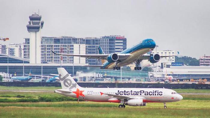 Từ 29/4 - 30/4, các hãng hàng không sẽ được khai thác 28 chuyến khứ hồi/ngày trên đường bay Hà Nội - TP.HCM. (Ảnh qua dantri)