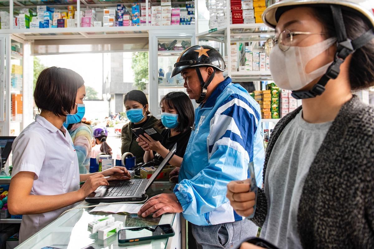 Một hiệu thuốc trên đường Vũ Trọng Phụng (quận Thanh Xuân) chiều 7/3. (Ảnh qua vnexpress)