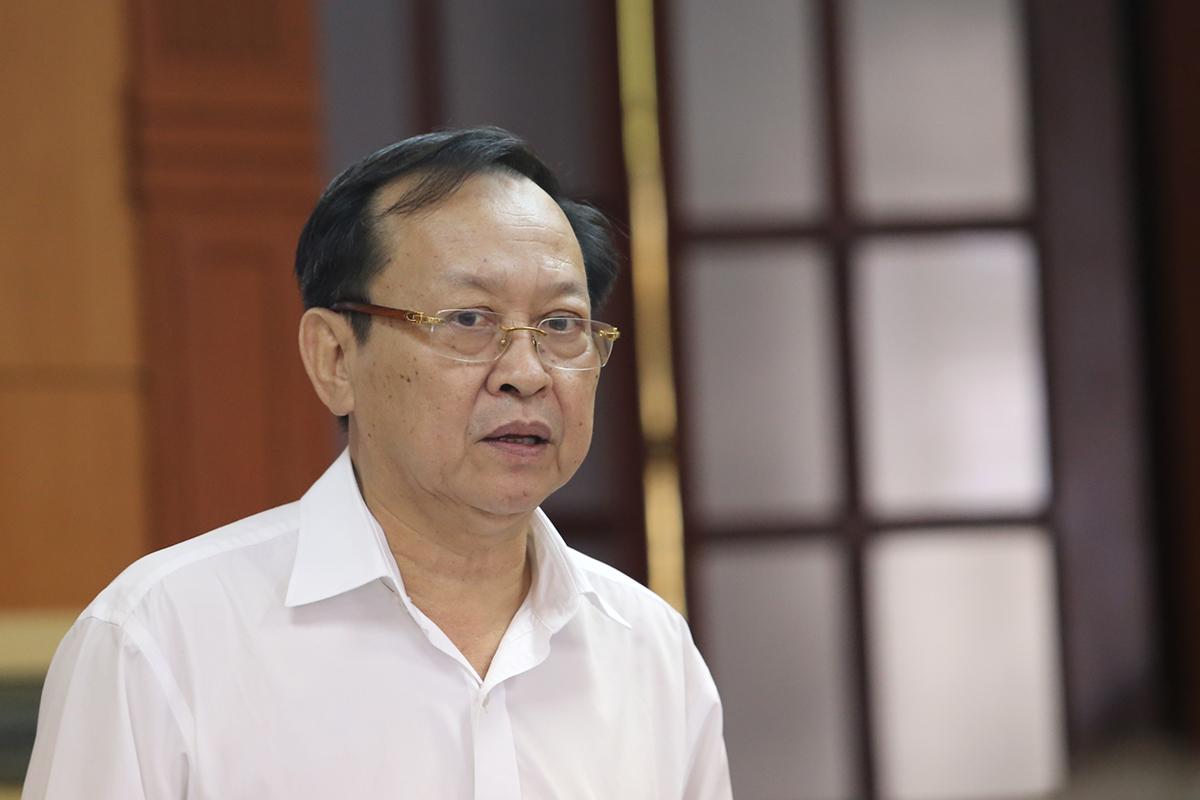 Ông Nguyễn Văn Hai, Giám đốc Sở Y tế Quảng Nam giải trình tại cuộc họp chiều 29/4. (Ảnh qua vnexpress)