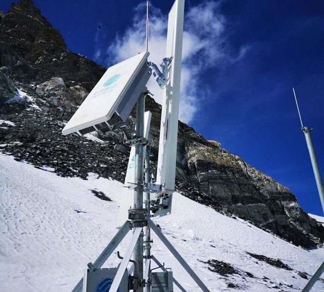 Trung Quốc xây dựng tháp 5G cao nhất thế giới trên núi Everest - Ảnh 2