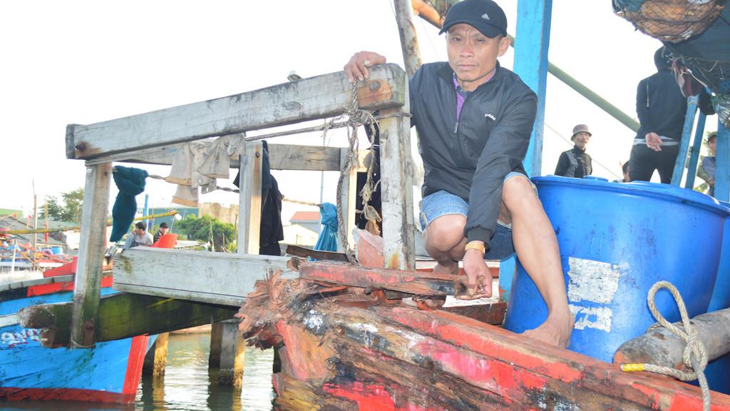 Quảng Ngãi Một tàu cá của ngư dân bị tàu Trung Quốc đâm chìm, 2 tàu cá khác bị bắt giữ trái phép