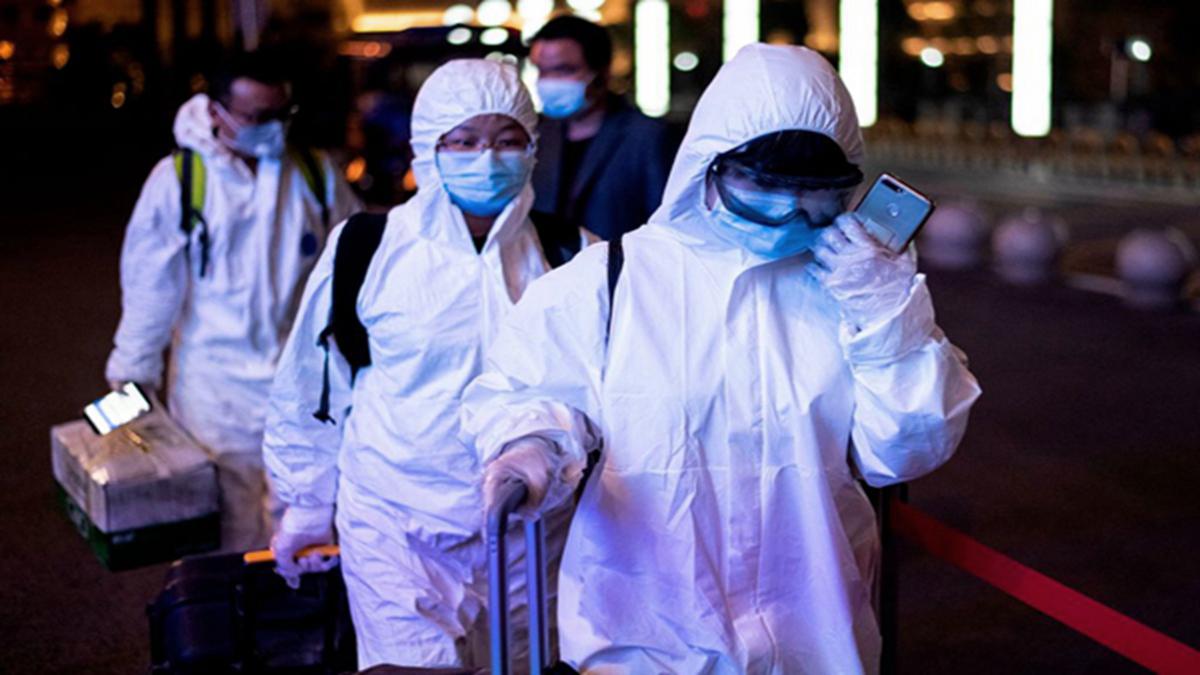 100 ngàn người Vũ Hán vội vã rời khỏi thành phố vì sợ chính quyền sẽ thay đổi chính sách (ảnh 1)