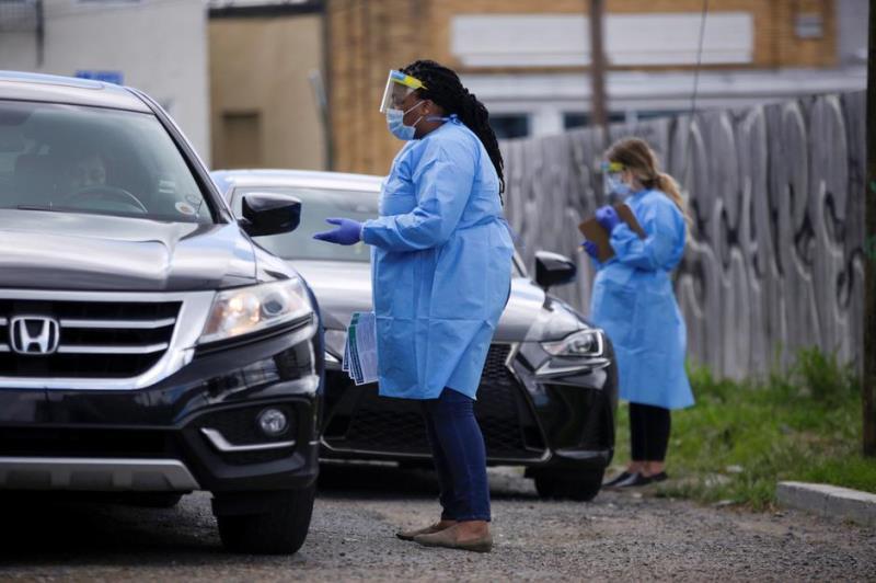 Nhiều bác sỹ phải tận dụng khám bệnh cho những bệnh nhân nagy tại xe ô tô cá nhân của họ.