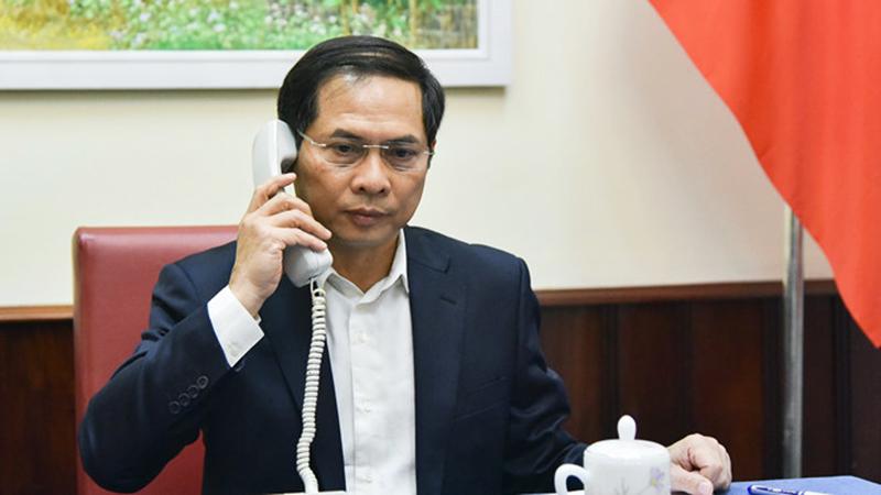 Thứ trưởng thường trực Bộ Ngoại giao Bùi Thanh Sơn tại cuộc điện đàm. (Ảnh qua thanhnien)
