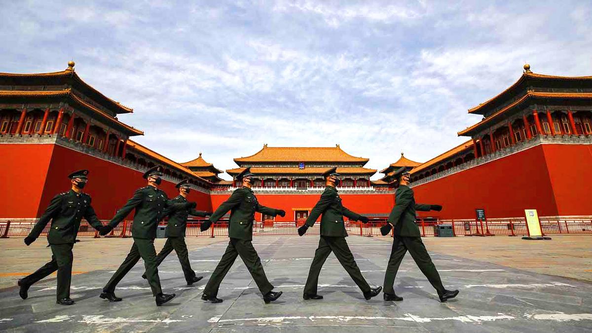 Một lượng lớn binh sĩ bí mật tiến vào Bắc Kinh, khu vực lân cận Trung Nam Hải truyền ra tiếng súng (ảnh 1)
