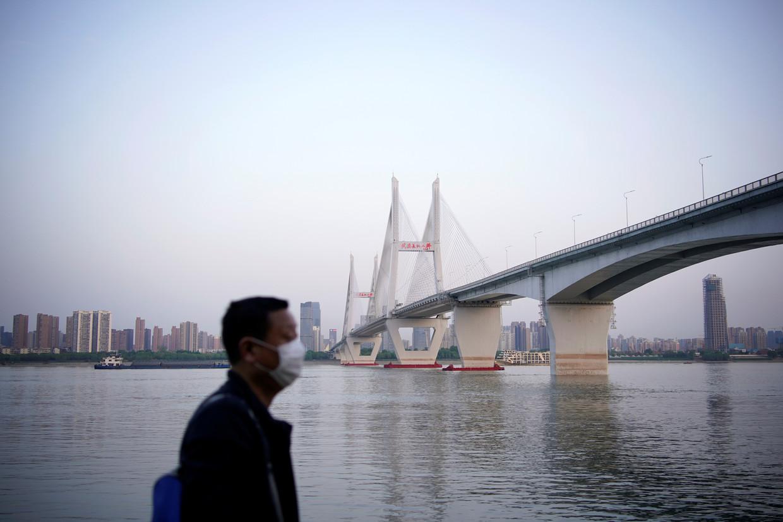 """Vũ Hán gấp rút triển khai toàn dân """"10 ngày đại chiến"""", Bắc Kinh đang toan tính điều gì?"""