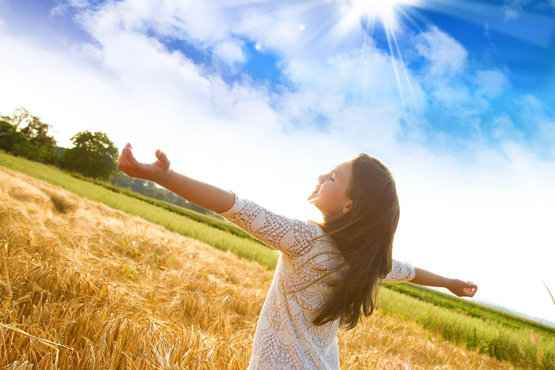 những cảm xúc thiện lương, lạc quan và vui vẻ có thể cải thiện khả năng miễn dịch và giúp tinh thần bình ổn.