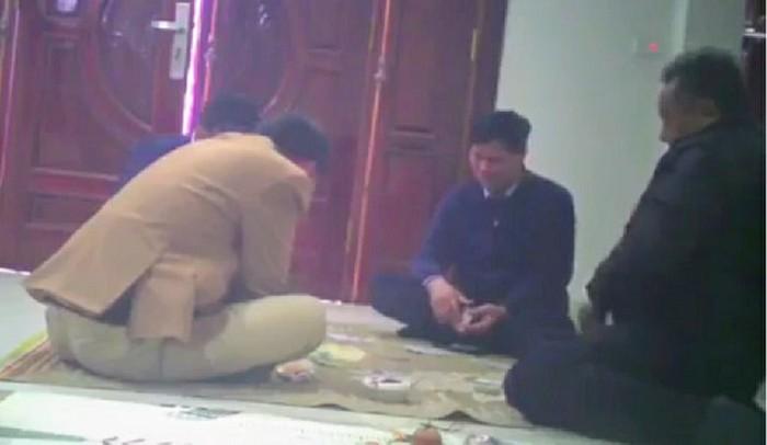 Hà Nội: Bí thư xã và Đảng viên đánh bạc mất cơ hội được tái bổ nhiệm - Ảnh 1