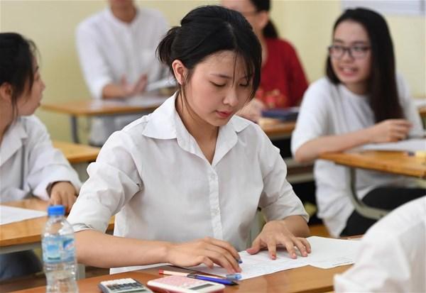 Theo dự thảo quy chế thi do Bộ GD&ĐT vừa công bố, điểm thi tốt nghiệp THPT chiếm 70% trong điểm xét tốt nghiệp. (Ảnh qua vtc)