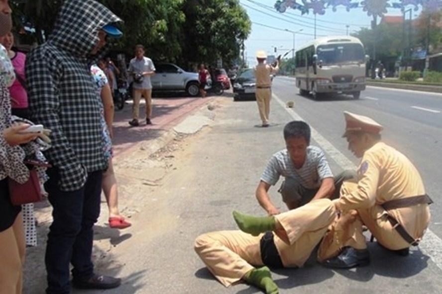 4 ngày nghỉ: TNGT làm 79 người chết, hai vụ tông CSGT bị thương - Ảnh 2