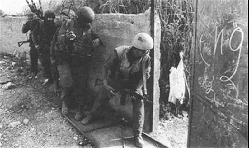 Ngay trong bữa sáng của ngày chuẩn bị luyện tập bắn đạn thật đầu tiên, đội tuần tra bất ngờ phát hiện ra rằng các túi đạn, lựu đạn và súng mang trên người đều biến mất.